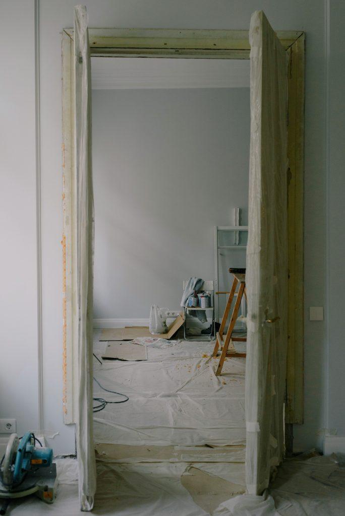 Na jakich produktach nie warto oszczędzać przy wykańczaniu mieszkania